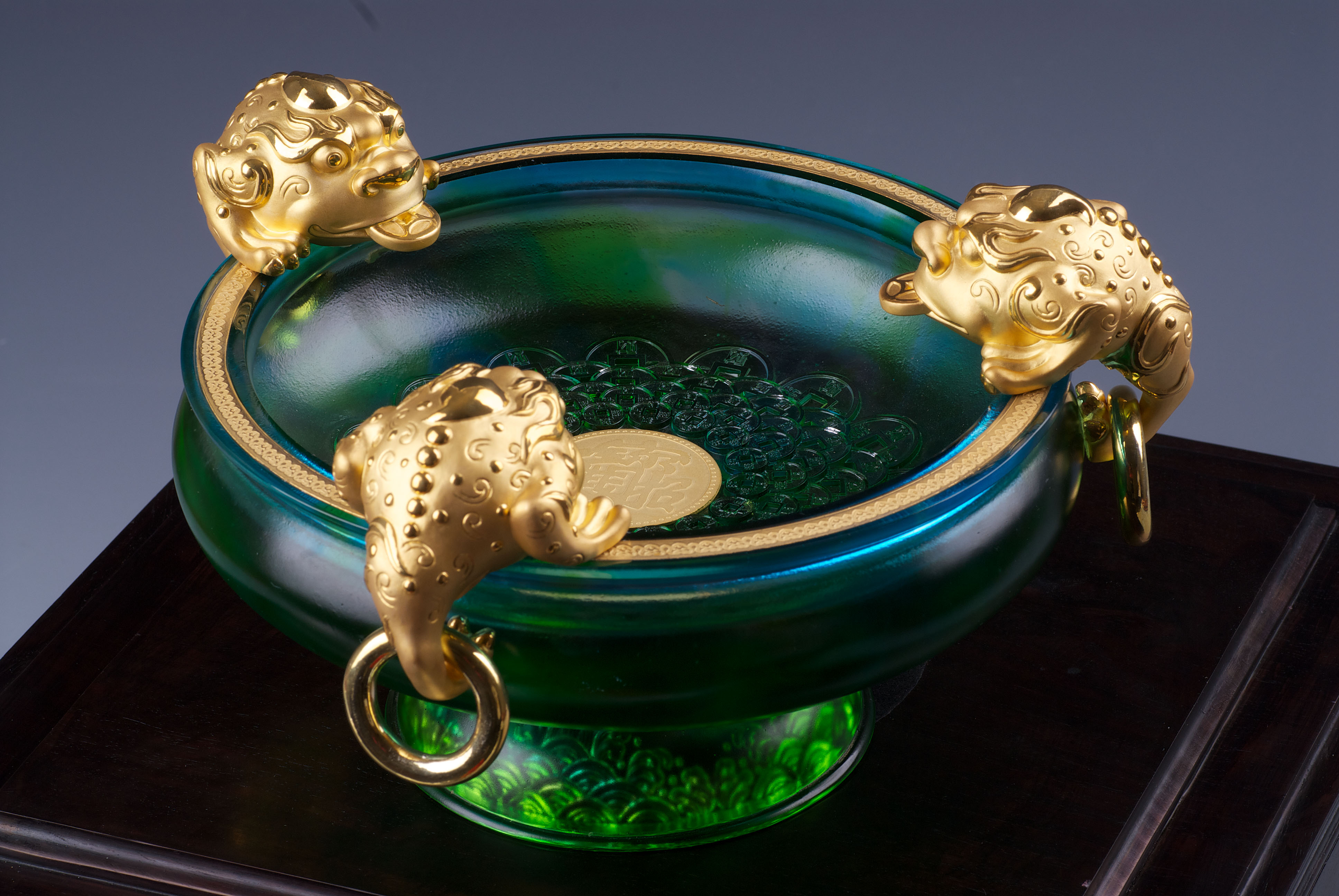 Green glass fish bowl for Glass fish bowls